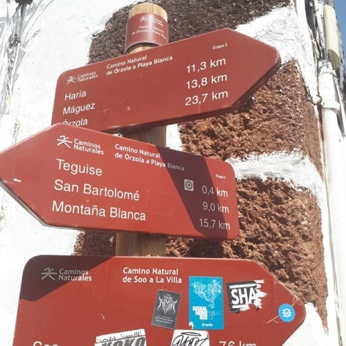 Lanzarote - signposting the way
