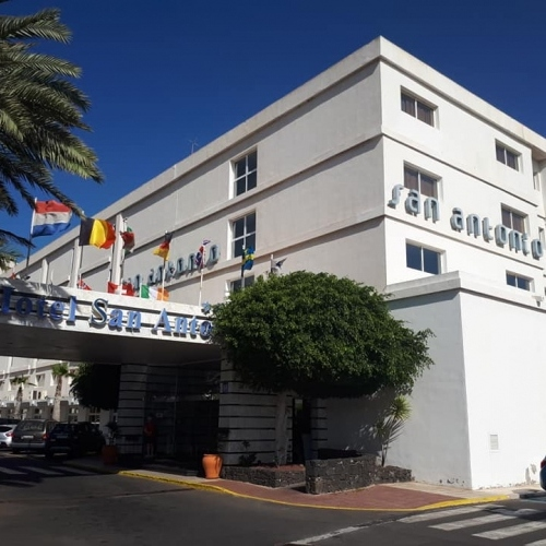 Lanzarote - the entrance to Hotel San Antonio