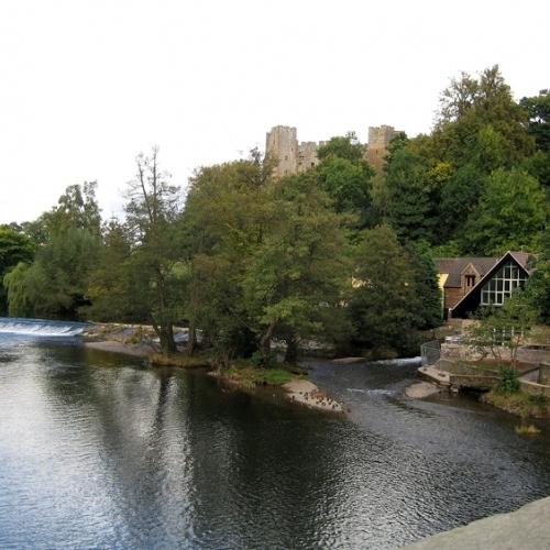 Guided walking in Shropshire Hills - Ludlow castle and the River Teme